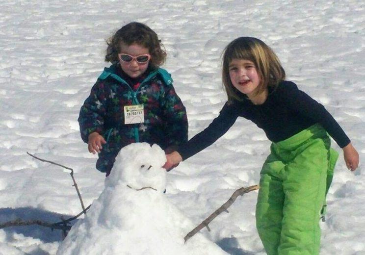 Jungant amb la neu a Coll d'Ares